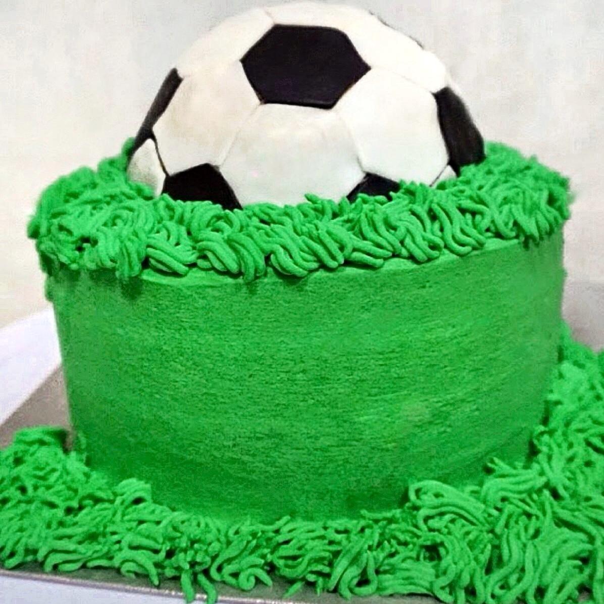 FIFA soccerball Cake