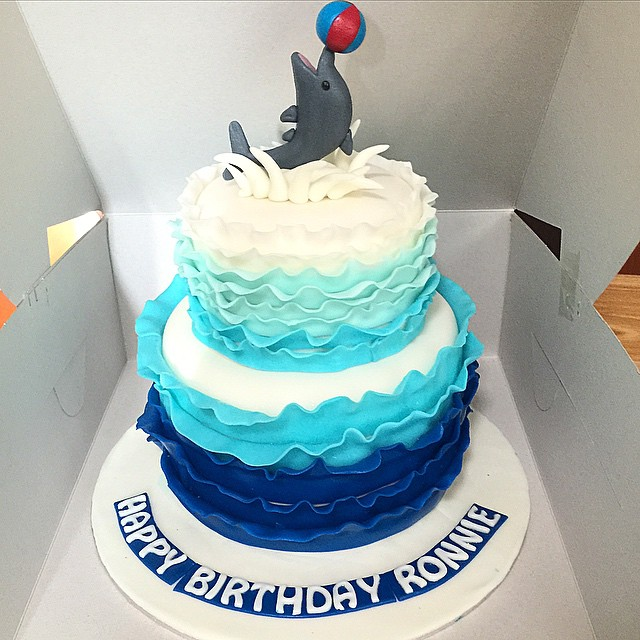 dolphin wedding cake blue ombre theme wave cake sherbakes 13697