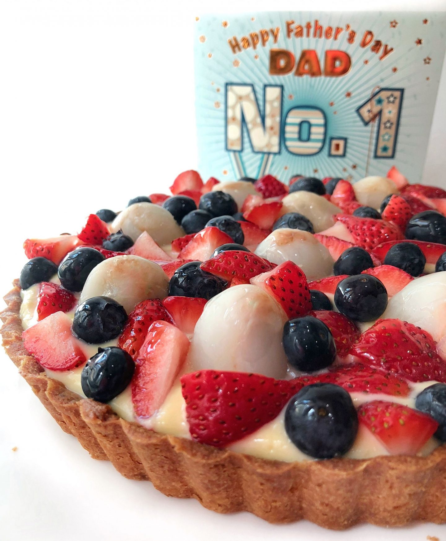 Fruit tart with creme patissiere